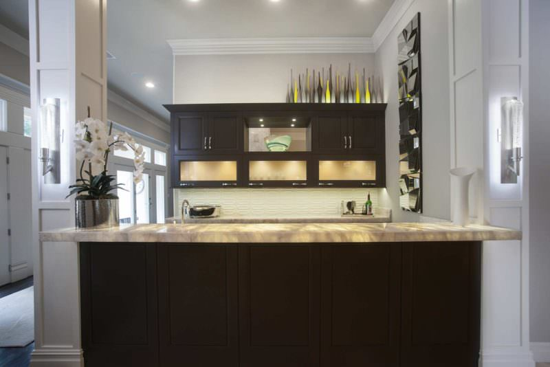 Leaves You Jonesin 5 contemporary stylish kitchen with full open bar area